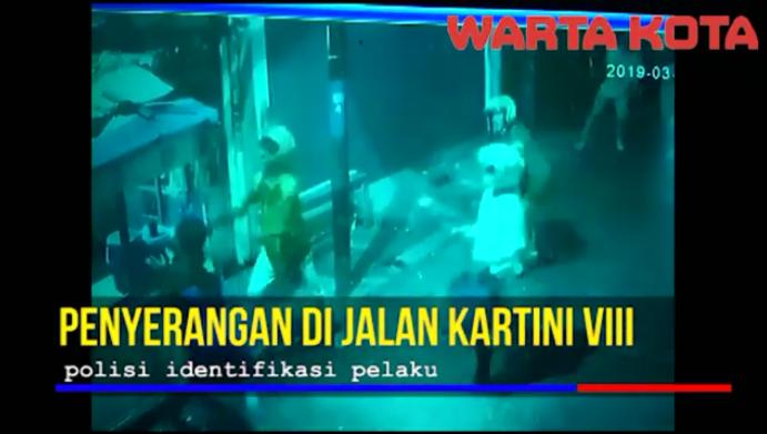 VIDEO: Terekam CCTV, Polisi Buru Pelaku Penyerangan di Jalan Kartini VIII Jakarta Pusat